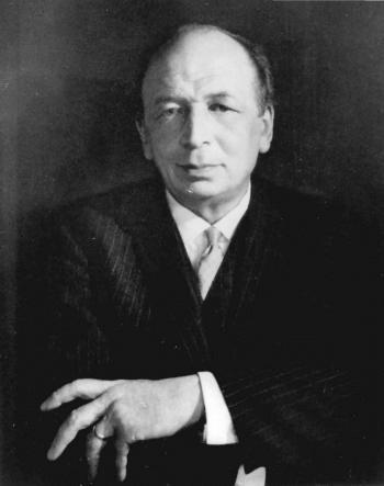 Eugène Vinaver (black-and-white photo)